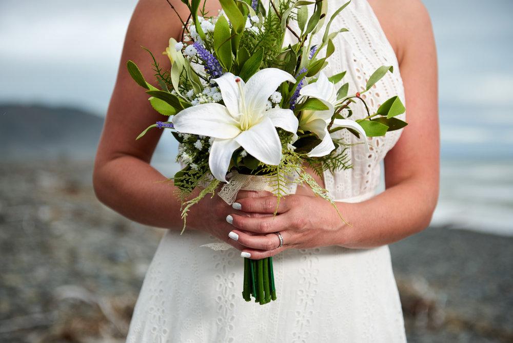 Elegant bouquet | Astra Bride Julia | Sottero & Midgley Nicole | Cloudy Bay | Marlborough wedding photographer |