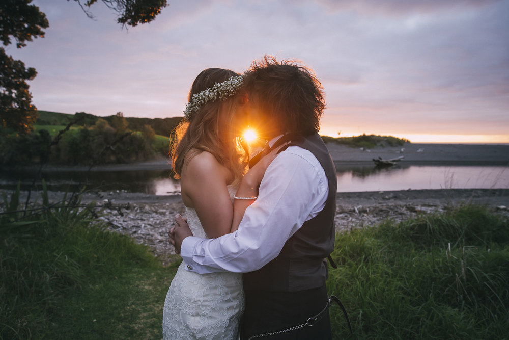 Sunset kiss | Lucy Brophy | Maggie Sottero Chesney | The Bungalow | Aimee Kelly Photography |