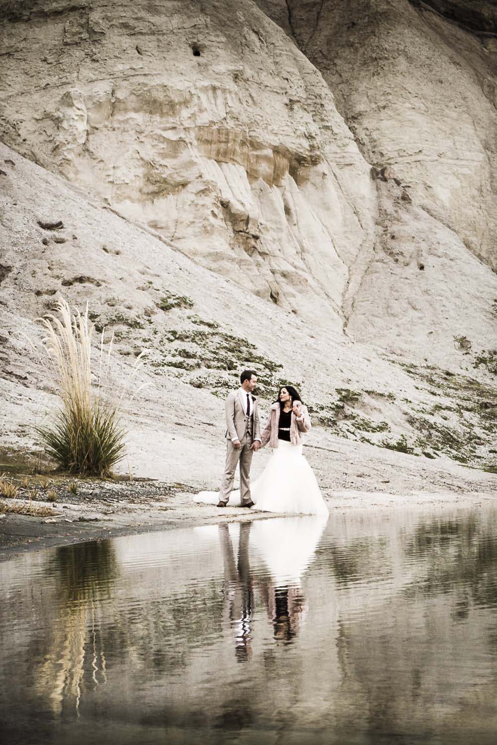 Omakau winter wedding inspiration | Photography by Fluidphoto | Gown from Astra Bridal | www.borrowedandblue.kiwi