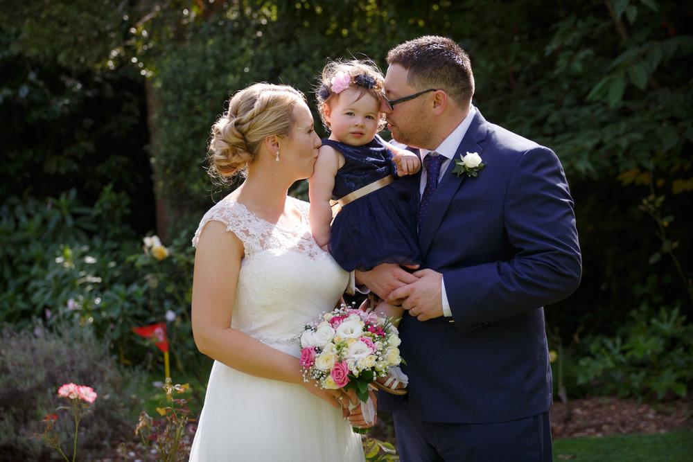 Family shot | Astra bride Shanelle Simpson | Venue Tatum Park | Maggie Sottero Patience Lynette | Photographer Paul Howell |
