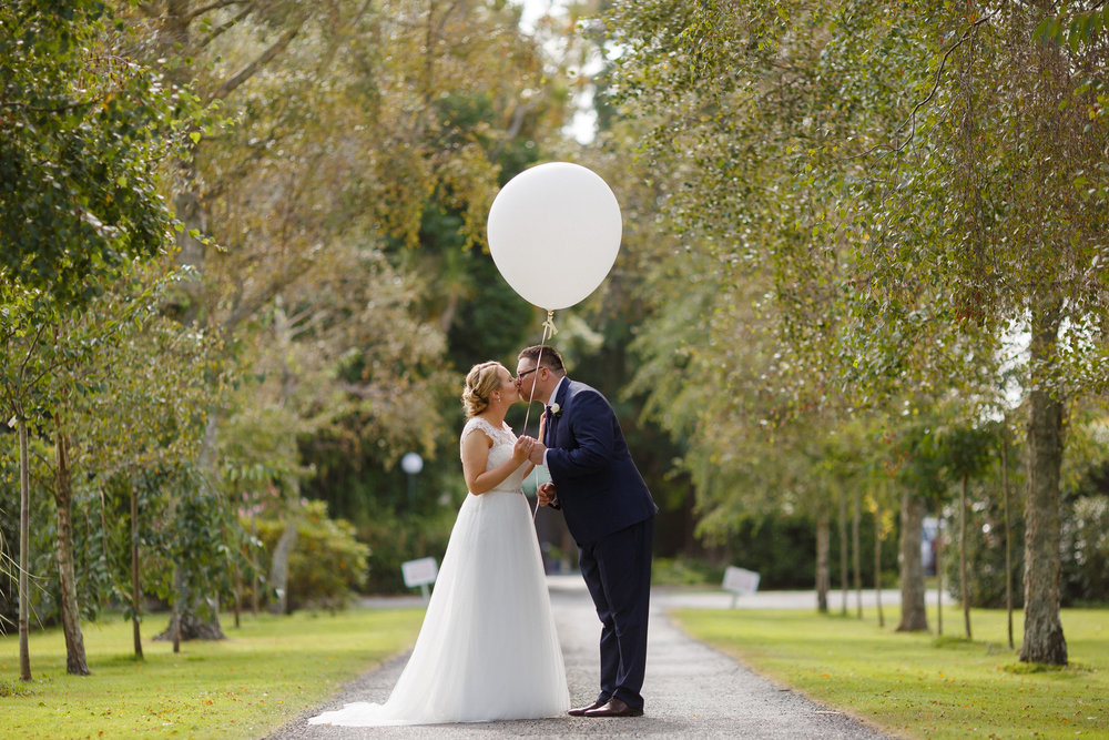 Romantic shot | Astra bride Shanelle Simpson | Venue Tatum Park | Maggie Sottero Patience Lynette | Photographer Paul Howell |