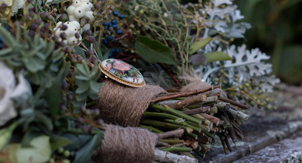 Bouquet brooch | Astra bride Kelly | Maggie Sottero Karena Royale | Sarnia Park | Steve Brown wedding Photography |