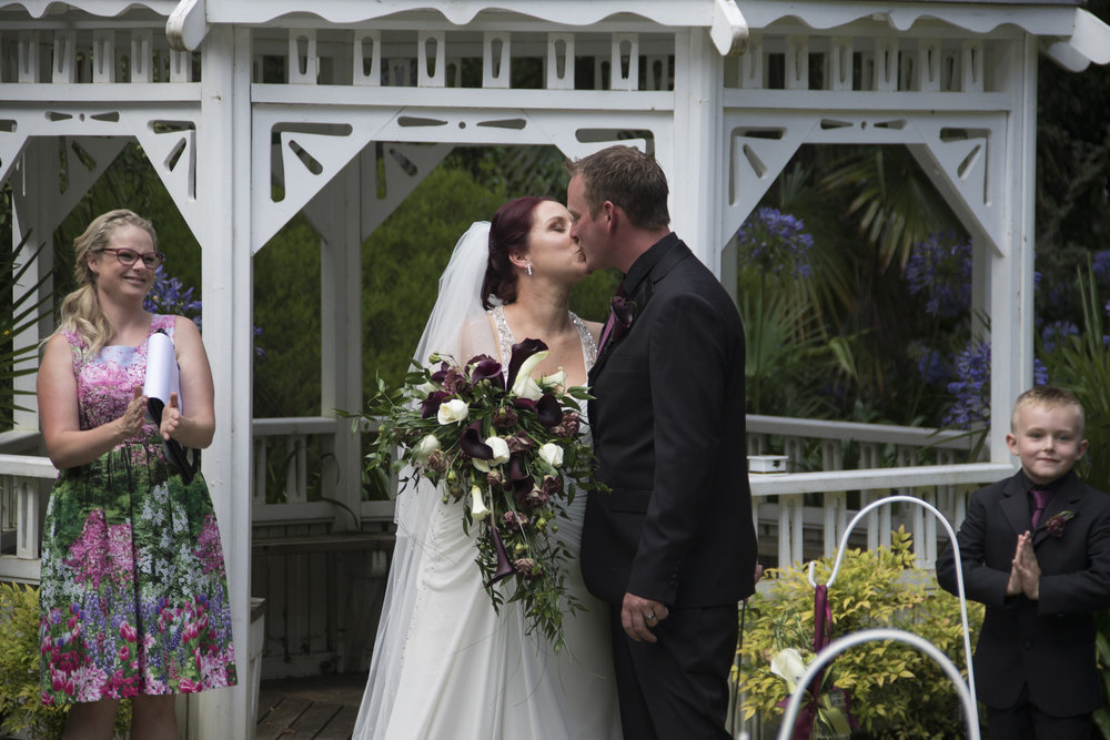 First kiss | Astra bride Jenni | Maggie Sottero gown | Wallaceville House | Paul Michaels Photography |