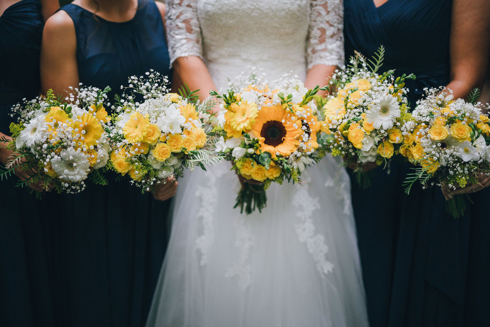 Yellow flowers Astra bride Ruth | Maggie Sottero Nadia | Wallaceville House | The Woods Photography |