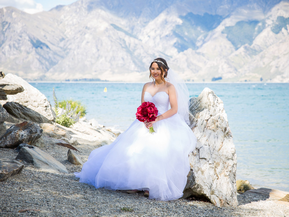 Lakeside bride | Astra bride Lu | Maggie Sottero Mindi | Lookout Lodge Wanaka | Peanut Productions Photography