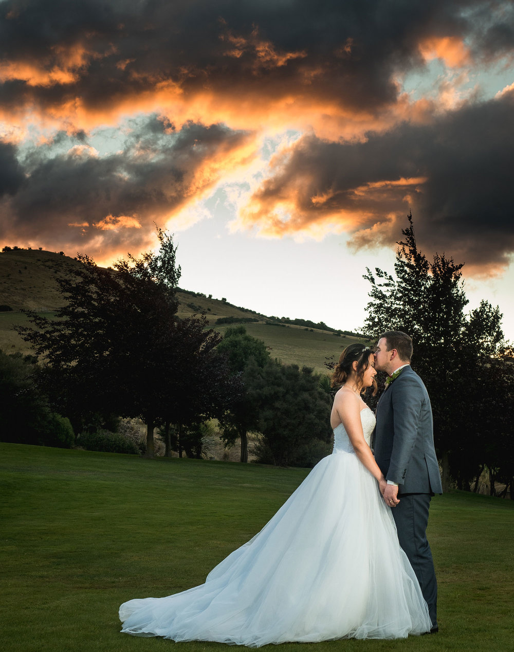 A moment alone | Astra bride Lu | Maggie Sottero Mindi | Lookout Lodge Wanaka | Peanut Productions Photography
