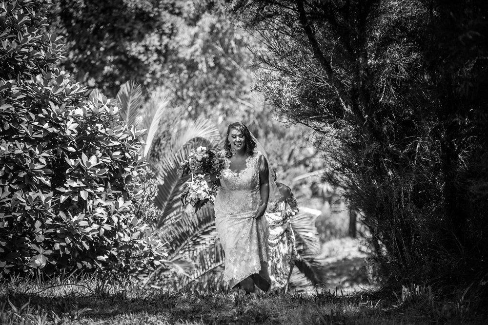 Outdoor wedding ceremony | Astra bride Martine | Maggie Sottero Londyn | Sante Fe at Ahipara | Nicole Jecentho Photographer