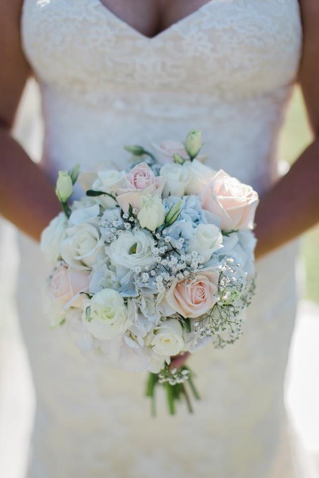 Beautiful bouquet | Astra Bride Karla | Te Awa Winery wedding | Maggie Sottero Chesney | Ash PHotography