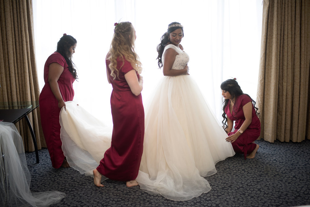 Dressing the bride | Astra Bride Jessica | Maggie Sottero Angelette | Dreamlife photography