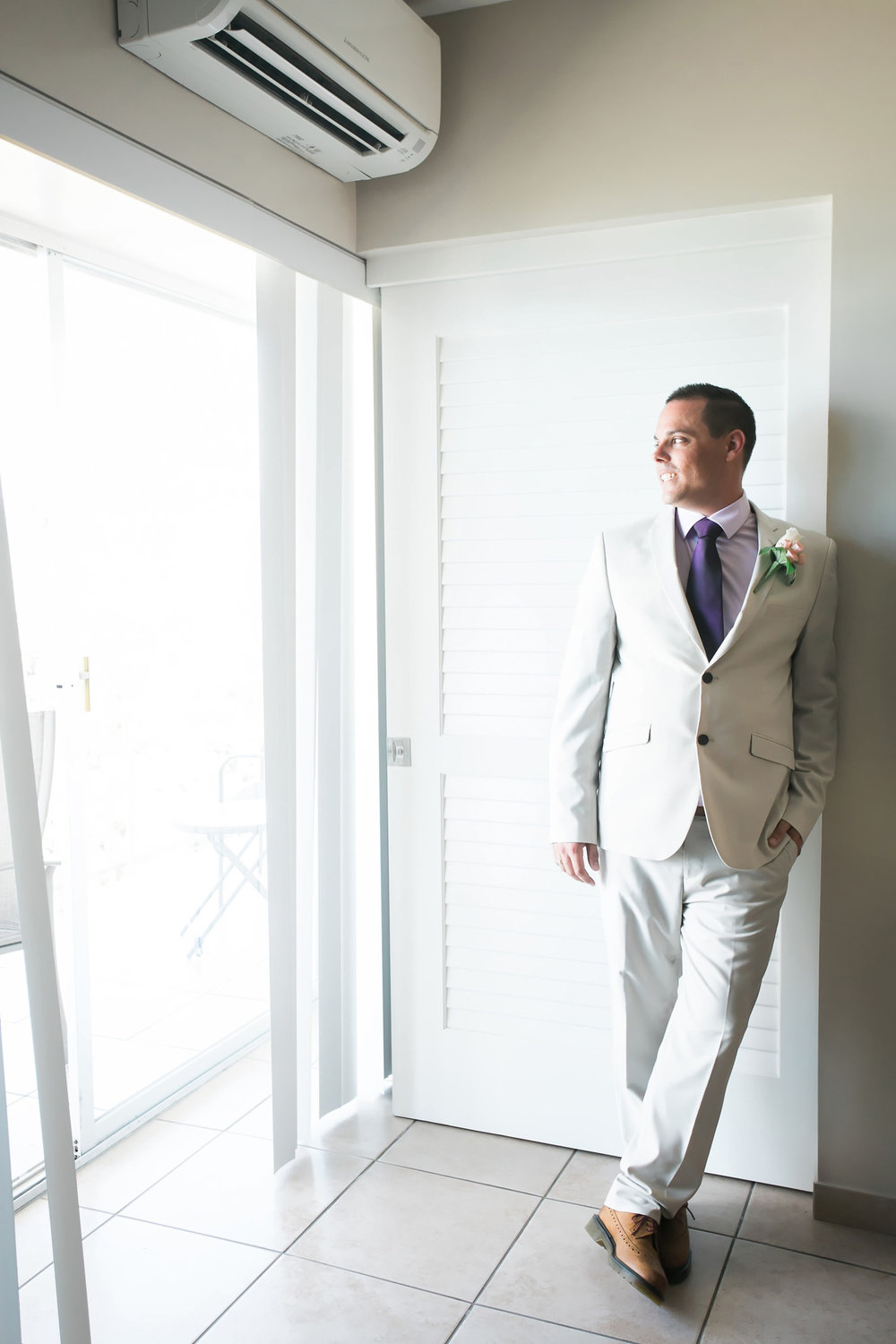 Groom before the Ceremony | Astra Bride Candice | Cristina Rossi CR914 | Royal Hawaiian Hotel, Hawaii | Dulce Photography