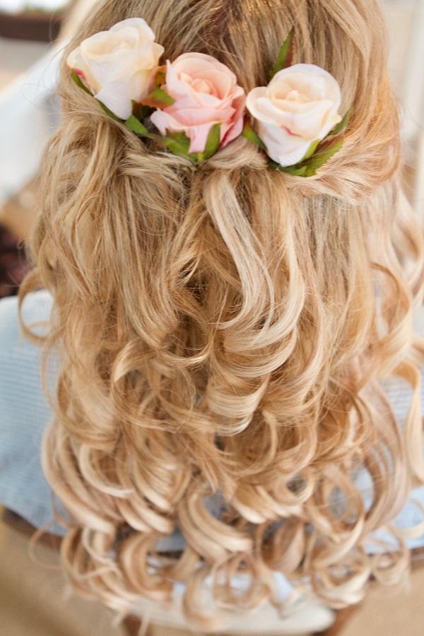 Gorgeous loose hairdo | Bridal Outlet Bride Nikki