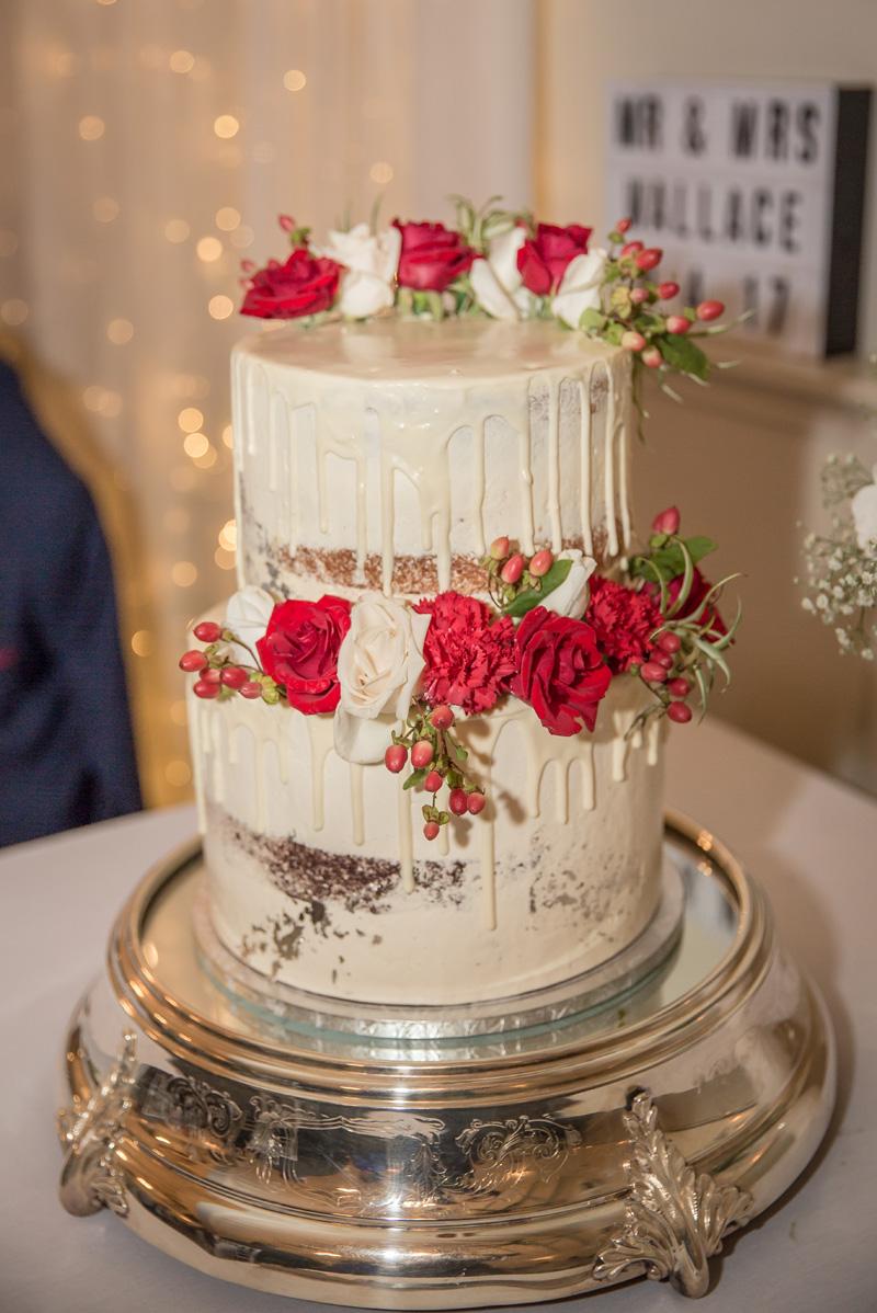 The Cake    Astra Bride Sarah   Sottero + Midgley Taiya   Gracehill Vineyard in Kumeu   Ester Siraky Photography