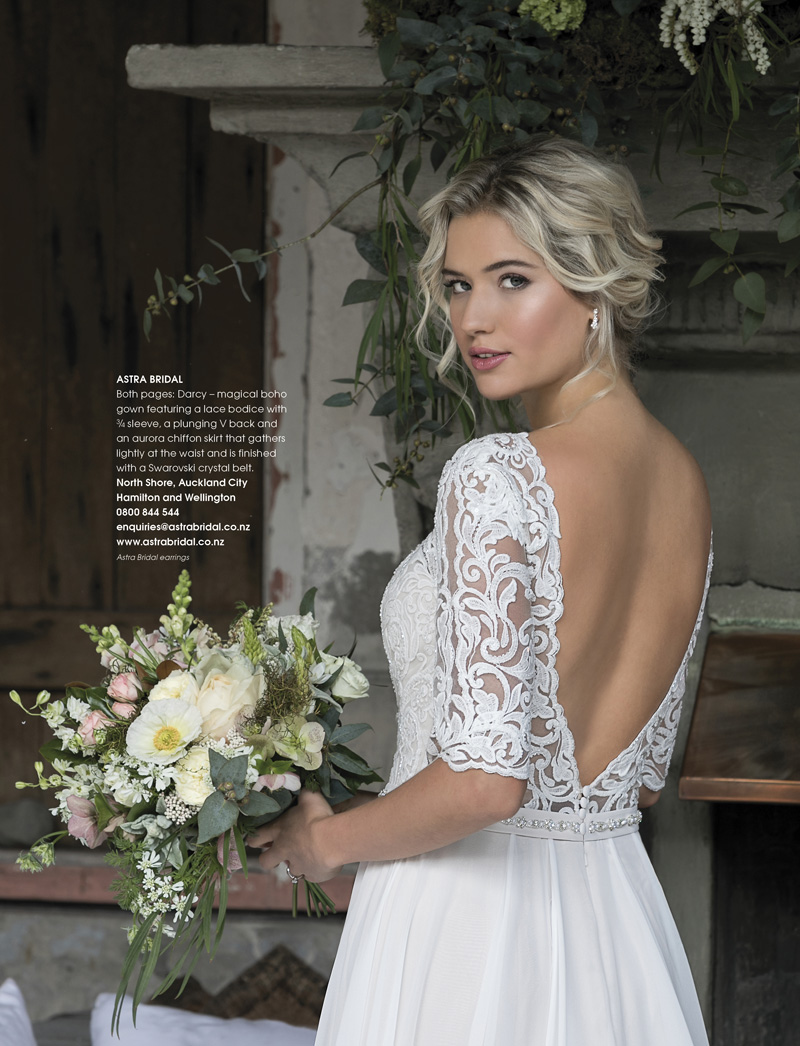 Gorgeous lace bodice... - ... and aurora chiffon skirt, perfect for Mantells which
