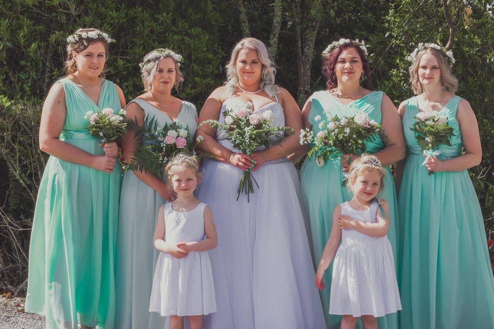 All the Girls together | Bridal Outlet Bride Kelley