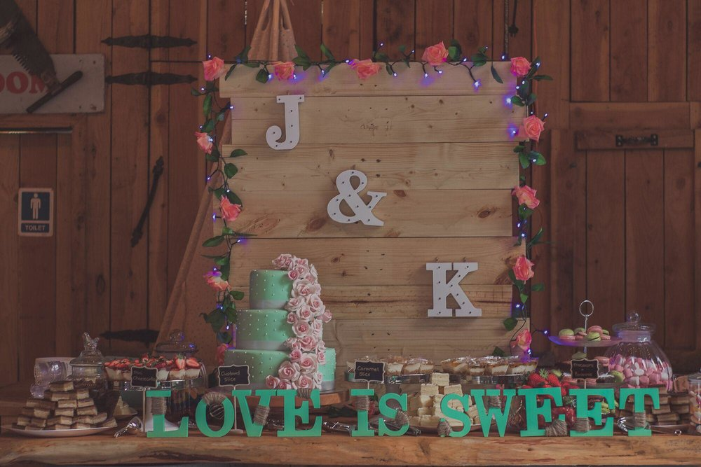 Sweet Table | Bridal Outlet Bride Kelley