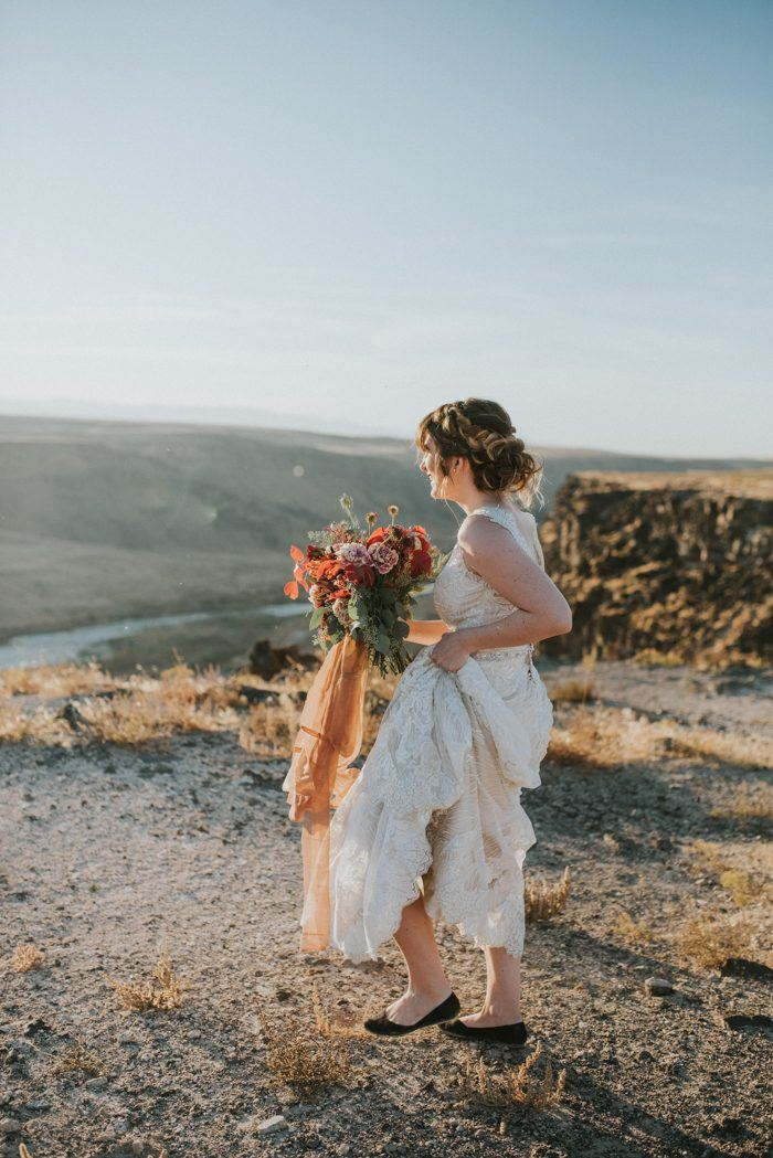 - If you're needing some inspiration for your future autumnal wedding, look no further! This sumptuous bohohemian camper styled shoot at Snake River in North America has a beautifully warm and jewel toned colour palette and all the throw pillows your heart could desire... The beautiful Sottero and Midgley Wyatt gown is perfect for this 'on trend' setting, with its mocha underlay blending delisciously into the dessert scenes. Maggie Grace Photography effortlessly captured this elopement inspiration for the wild at heart...