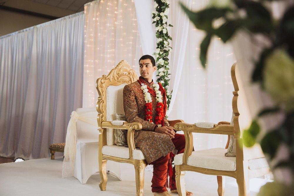 Hindu Groom | Indian Wedding | Bonny 1420 | Astra Bridal | Candy Capco Photography