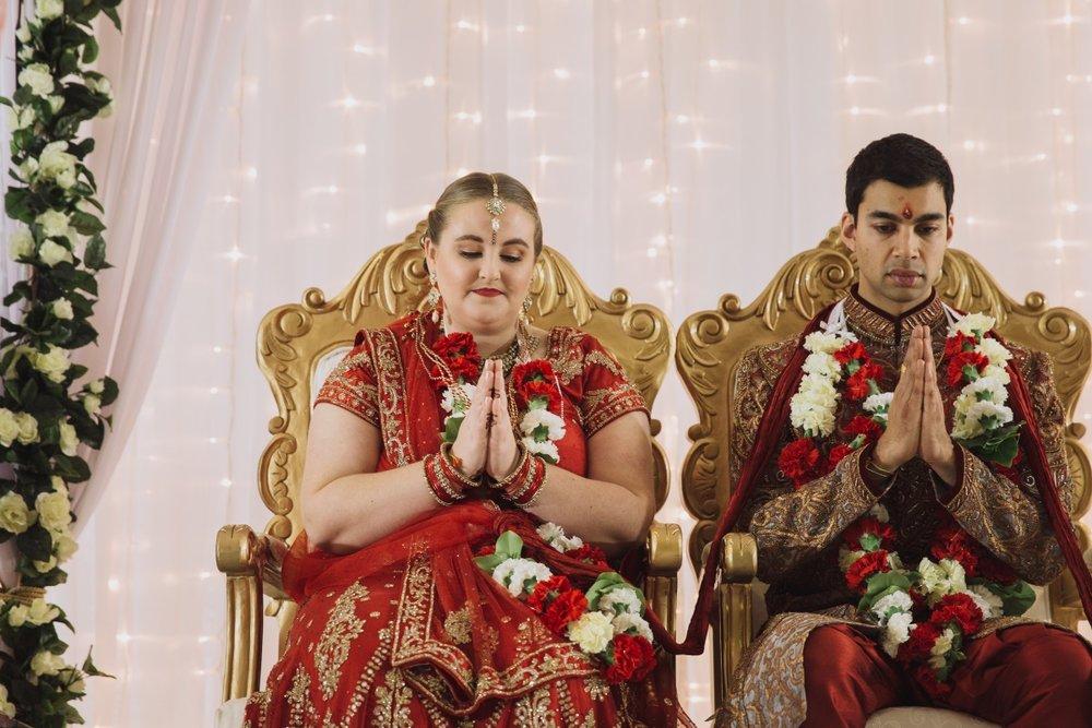 Hindu Wedding Throne | Indian Wedding | Bonny 1420 | Astra Bridal | Candy Capco Photography