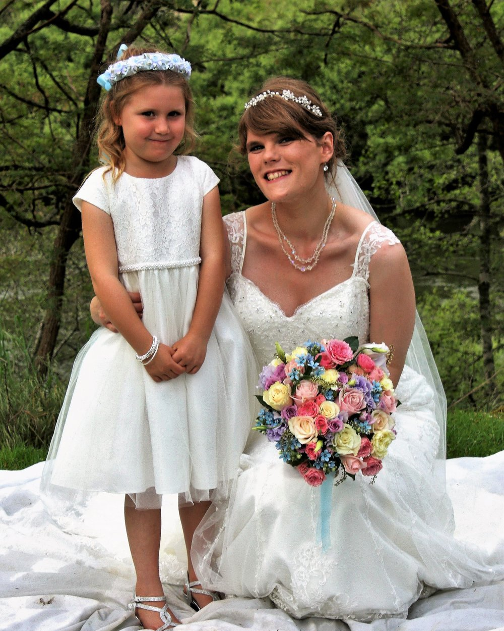 Flowergirl | Bridal Bouquet | Astra Bridal | Christina Rossi | Hamilton Airport and Conference Centre
