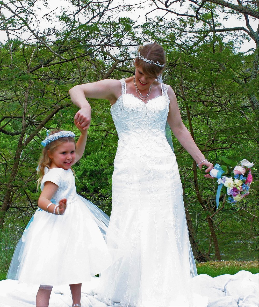 Flowergirl with Flowercrown | Astra Bridal | Christina Rossi | Hamilton Airport and Conference Centre