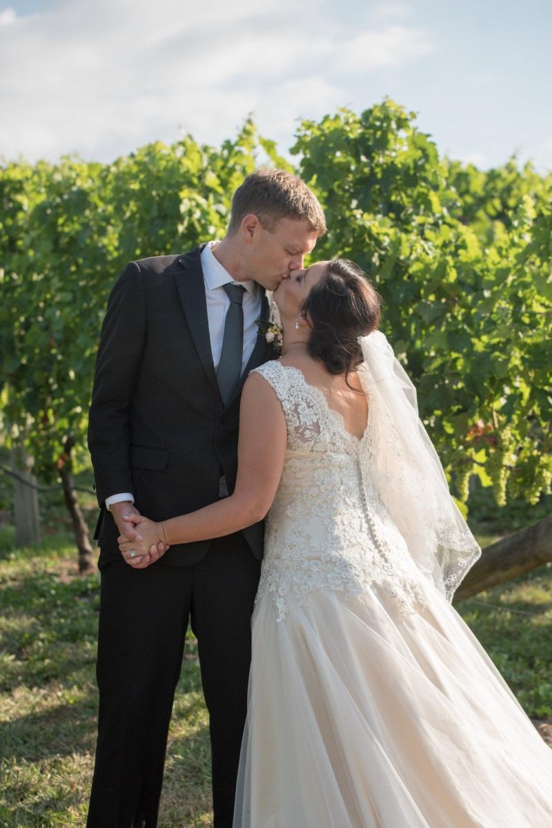 Vineyard Bride | Astra Bridal | Christina Rossi | Black Barn Winery | Shar Hays Photography