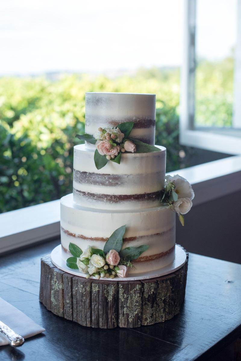 Rustic Wedding Cake | Astra Bridal | Christina Rossi | Black Barn Winery | Shar Hays Photography
