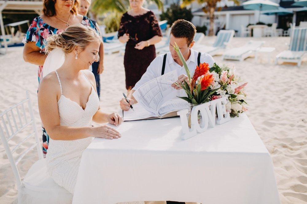 Table Flowers | Astra Bridal | Sottery & Midgley | Muri Beach Club Hotel | Alex King Photography