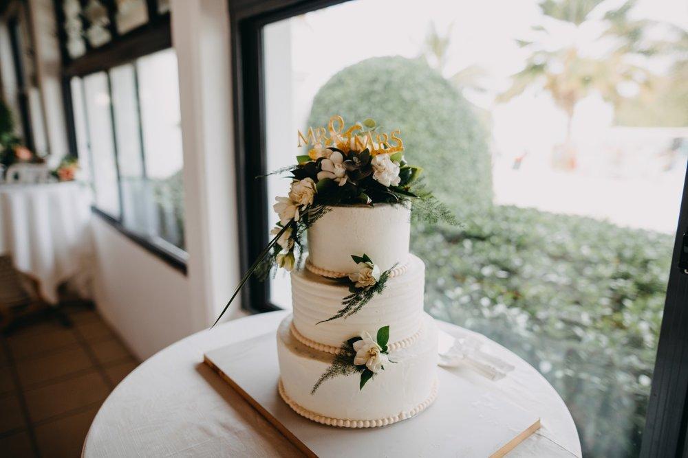 Floral Wedding Cake | Astra Bridal | Sottery & Midgley | Muri Beach Club Hotel | Alex King Photography