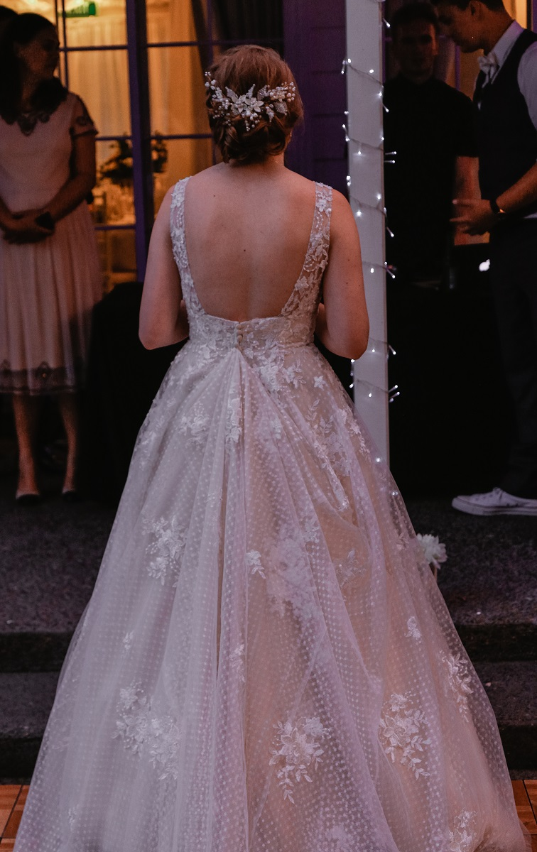 Gorgeous open back | Astra Bride Jessica
