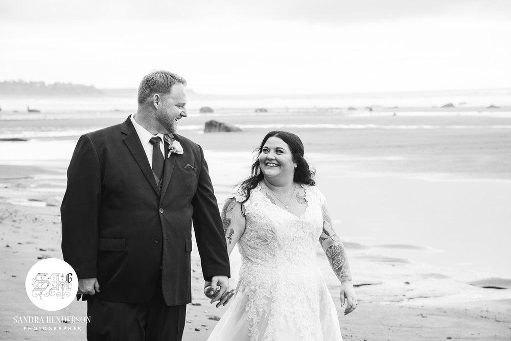 Happy Couple | Garden Wedding | Astra Bridal | Bonny Bridal | Sandra Henderson Photography