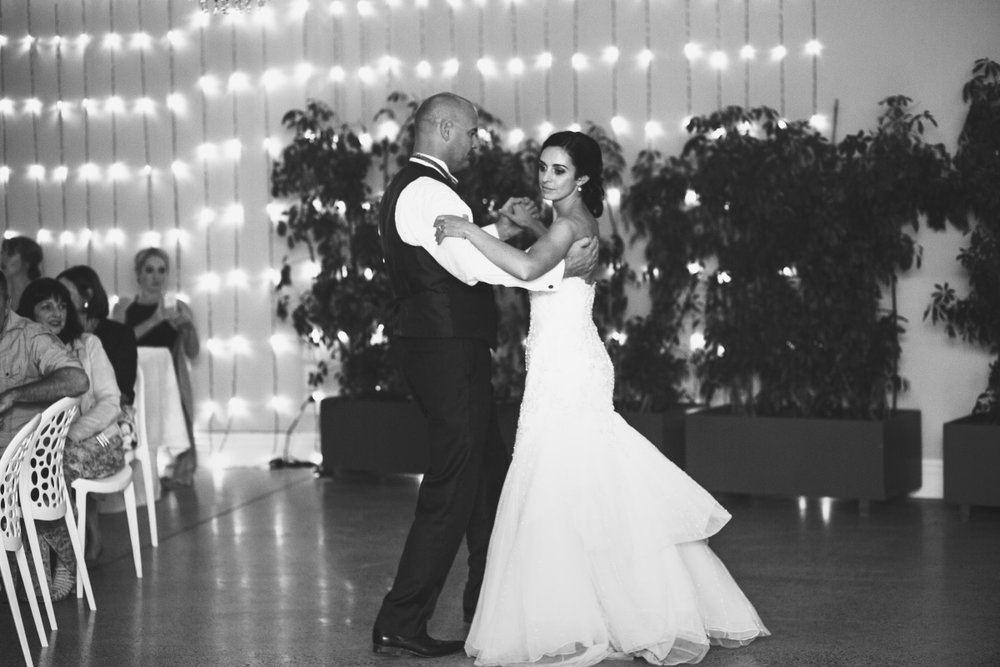 mermaid wedding gown | Essence Bridal | Astra Bridal | Classic Wedding | Daltons Plantation | Ruth Gilmour Photography