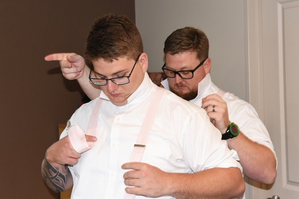 How to tie a Groom's tie | Astra Bride Rebekah