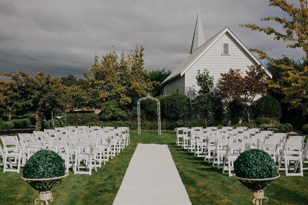 Outdoor Wedding | Bonny Bridal | Astra Bridal | Classic Wedding | Huka Falls Resort | Jessica Lee Photography