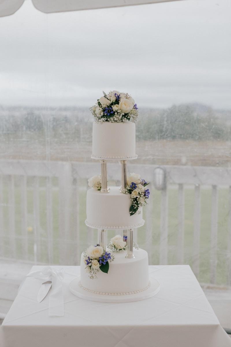 Triple Tiered Wedding Cake | Bonny Bridal | Astra Bridal | Classic Wedding | Huka Falls Resort | Jessica Lee Photography