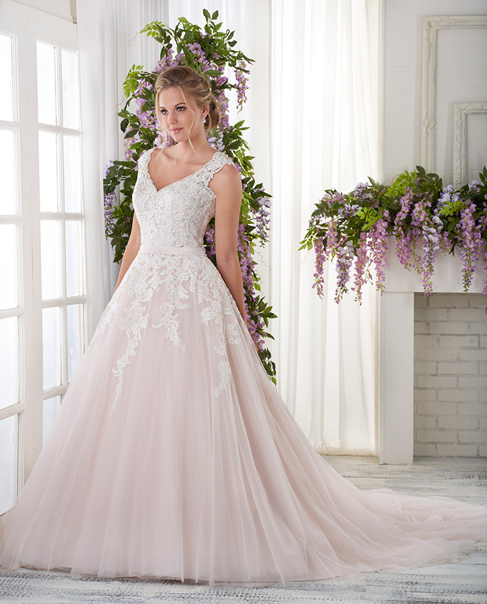 Try it on... - Were you inspired by Alice's gorgeously elegant ball gown wedding dress? If you think this could be the perfect princess gown to feature at your big day, click the button below to make an appointment at your nearest Astra Bridal salon to try it on!