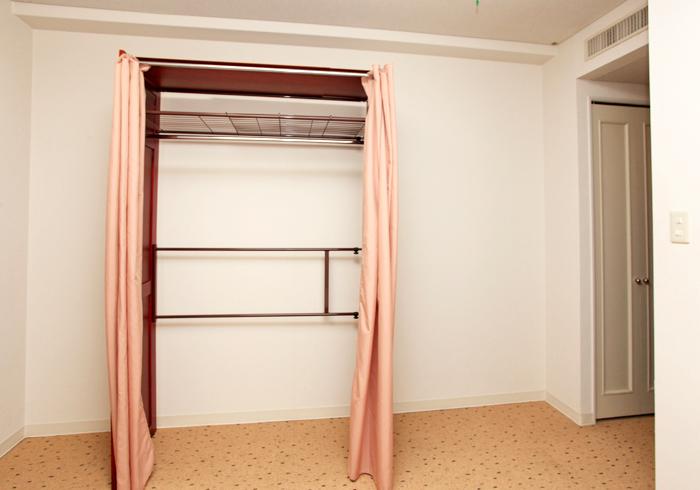 tulip_closet2.jpg