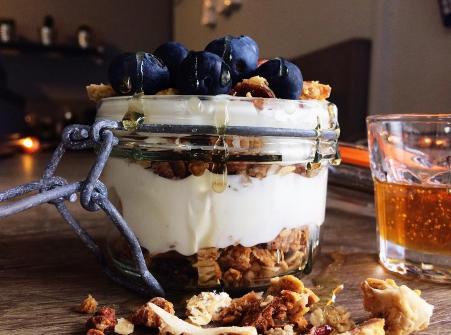 breakfast granola pot honey.png