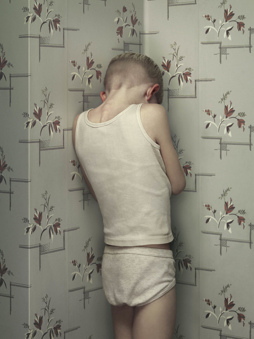 Erwin Olaf, Keyhole 7, 2011 - Courtesy the artist and Rabouan Moussion Gallery Paris