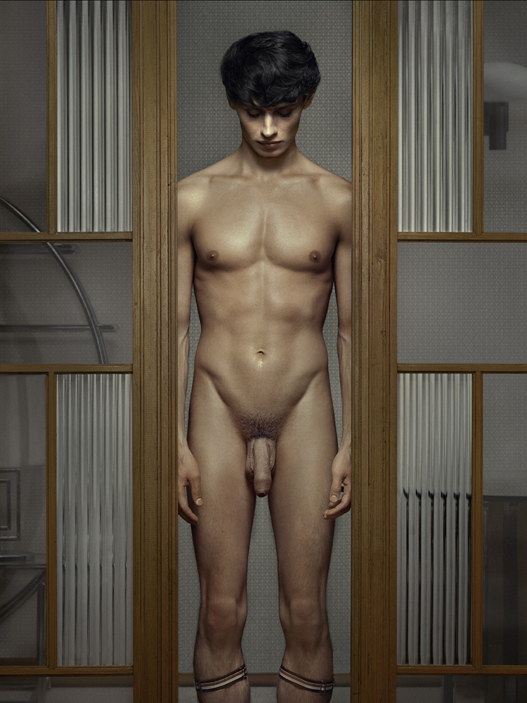 Erwin Olaf, Keyhole 10, 2011,Paris - Courtesy the artist and Rabouan Moussion Gallery Paris