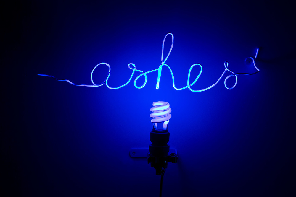 Florence Cantié Kramer, Ashes, Neon, 2012 - Courtesy the artist and Rabouan Moussion Gallery Paris