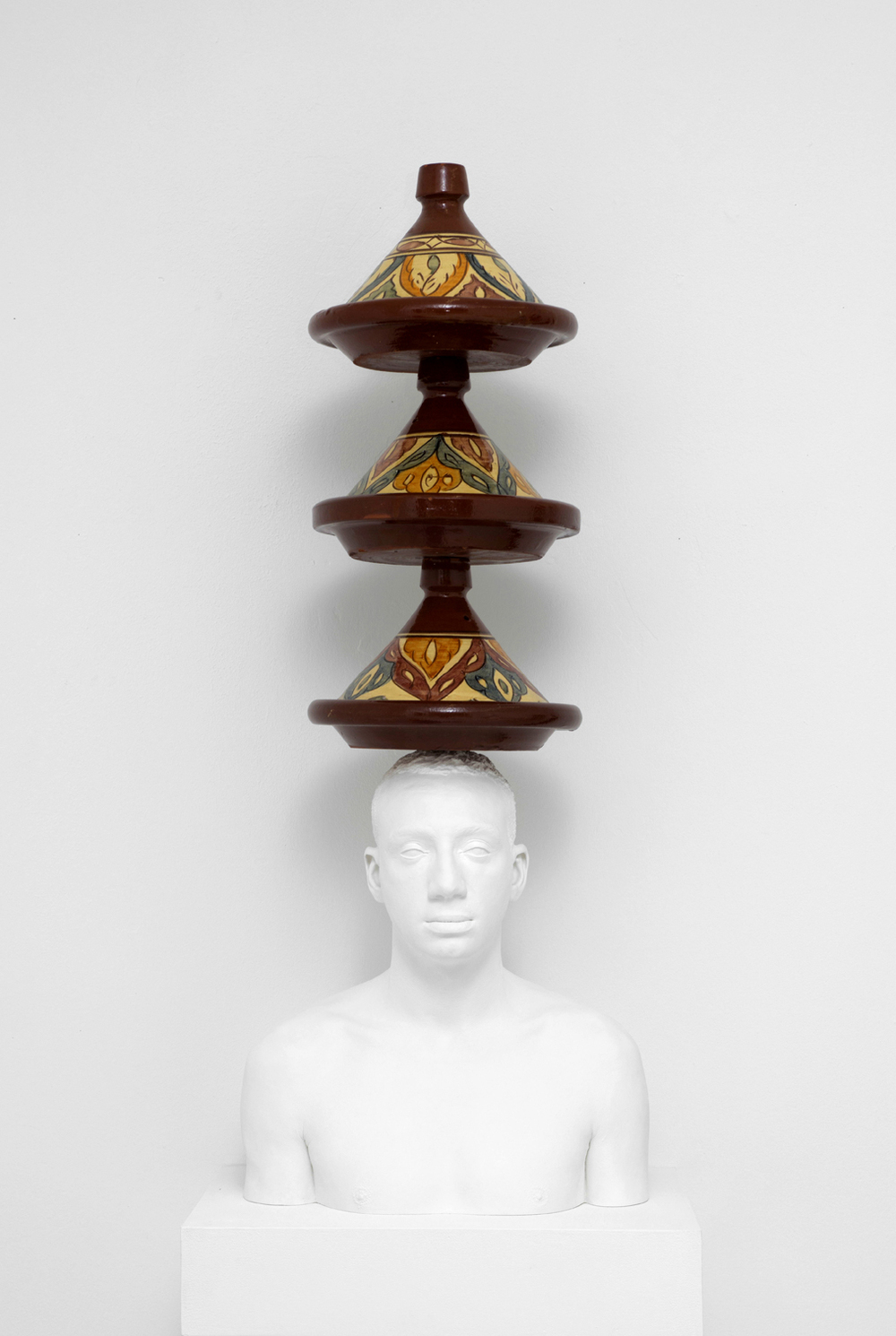 Mehdi-Georges Lahlou, Equilibre aux tajines, 2012 - Courtesy the artist and Rabouan Moussion Paris