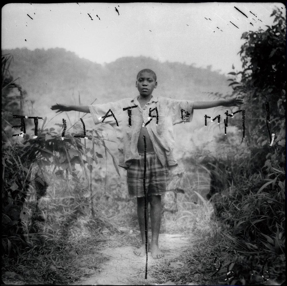 Louis Jammes, Pygmées chassés de la forêt primaire, Ouganda, source du Nil, 1996