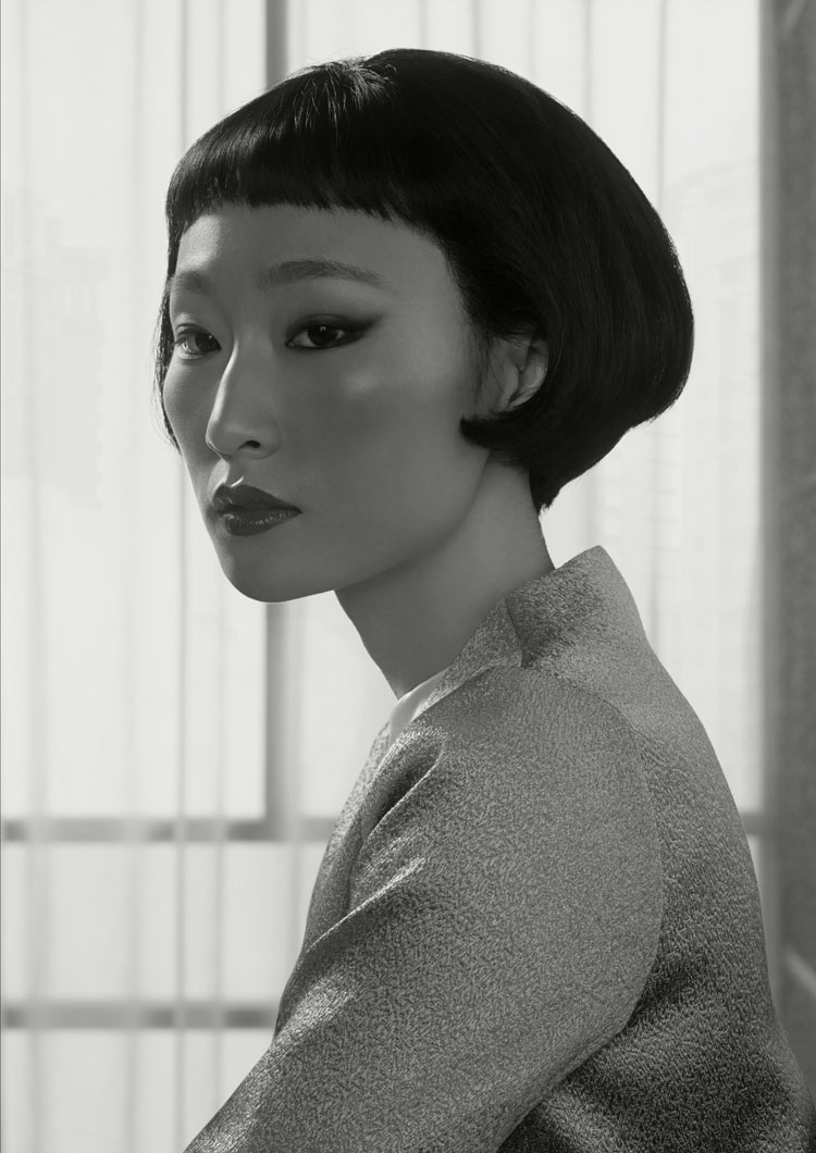 Erwin Olaf, Waiting, Portrait 2, Shenzen, 2014.