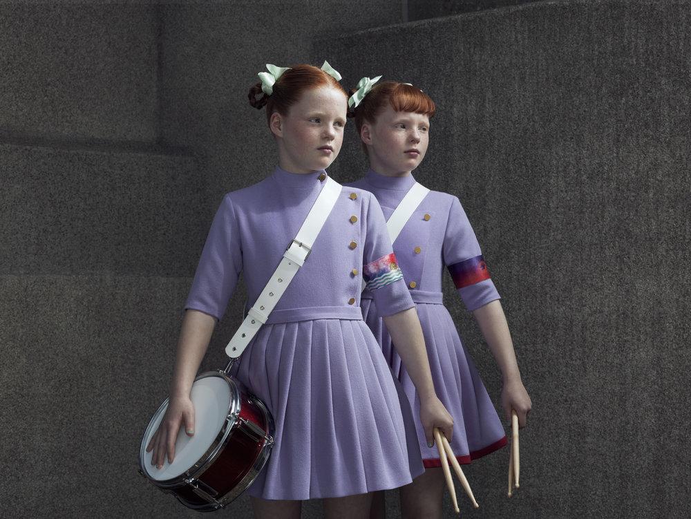 Erwin Olaf, Indochine, tess & Lisa 03