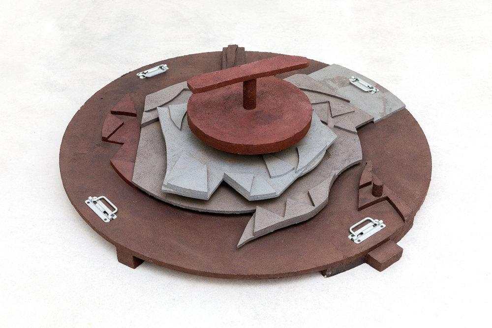 A façon, la roue, 1996, Marc de café sur contre-plaqué, 124x124x45