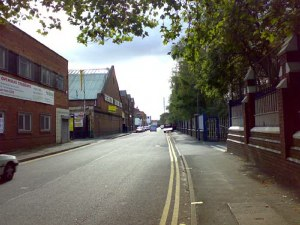 Western Road: Strangely, although it must have featured in many people's lives with so many factories and workshops, I can't find any reference to Western Road on the Brookfields website. Well here it is! This shot is of Western Road looking towards Dudley Road taken near the canal bridge.