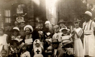 photo by JOAN MOYLAN.Joan is the little girl second from the left front row.