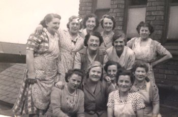 Ladies from the R.E.A.L left to right Back Row:  Laura Leighton (nee Walker).  ?,  ?, Vera Casey. Middle Row:   Annie Barnes, Ida Hands, Pem Dunkey Bottom Row:  Vera Venables, Nell Garland, Laura Blakemore, Beattie Wallis.