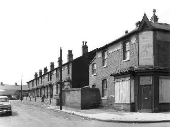Corner of Harmer St and Lodge Rd