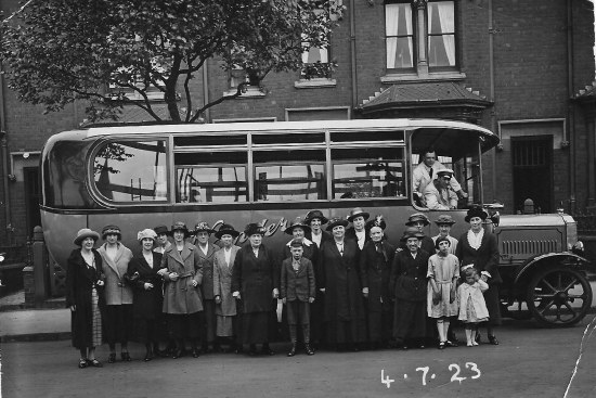 Womens Guild trip to Tewkesbury 1923.